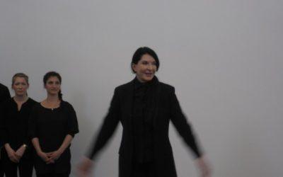 Marina Abramovic' – present continuous